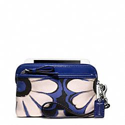 COACH F49939 Poppy Floral Scarf Print Double Zip Wristlet SILVER/BLUE/BLACK