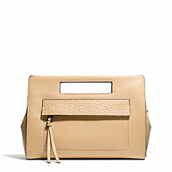 BLEECKER LEATHER  POCKET CLUTCH - f51194 - SILVER/TAN
