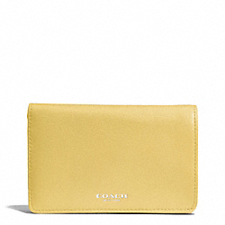 BLEECKER LEATHER COMPACT CLUTCH WALLET - f51468 - SILVER/PALE LEMON