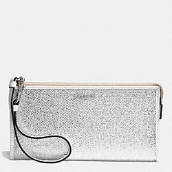 COACH F51524 Bleecker Zippy Wallet In Metallic Crackle Canvas  SILVER/WHITE