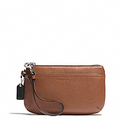 PARK LEATHER MEDIUM WRISTLET - f51683 - SILVER/SADDLE