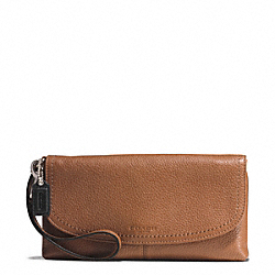 PARK LEATHER LARGE FLAP WRISTLET - f51821 - SILVER/SADDLE