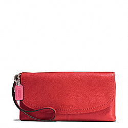 PARK LEATHER LARGE FLAP WRISTLET - f51821 - SILVER/VERMILLION