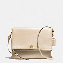 COACH F51896 - MADISON FOLDOVER CROSSBODY IN LEATHER  LIGHT GOLD/MILK