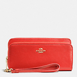 COACH F52103 Double Accordion Zip Wallet In Leather LIWM3