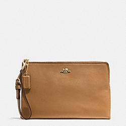 MADISON LARGE POUCH CLUTCH IN LEATHER - f52106 -  LIGHT GOLD/BRINDLE