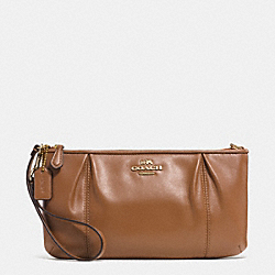 COACH COLETTE LEATHER ZIP TOP WRISTLET - IM/SADDLE - F52153