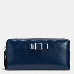 COACH F52172 Darcy Patent Bow Accordion Zip Wallet SILVER/NAVY