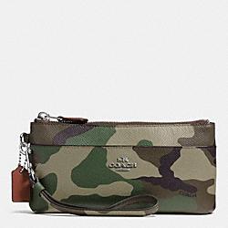COACH F52414 Zippy Wallet In Camo Print Crossgrain Leather  SILVER/GREEN MULTI