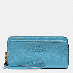 COACH F52718 Double Accordion Zip Wallet In Pebble Leather IMITATION GOLD/BLUEJAY