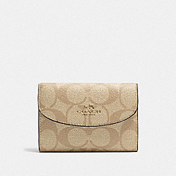 COACH F52852 - KEY CASE IN SIGNATURE CANVAS LIGHT KHAKI/BLUSH/SILVER