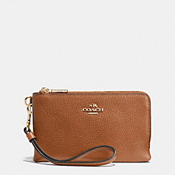 COACH F53090 Double Corner Zip Wristlet In Pebble Leather LIGHT GOLD/SADDLE