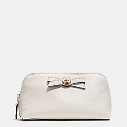COACH F53423 Turnlock Bow Cosmetic Case 17 In Pebble Leather LIGHT GOLD/CHALK/BLACK
