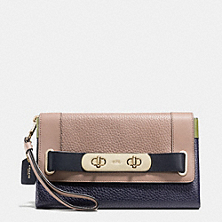 COACH F53462 Coach Swagger Clutch In Colorblock Pebble Leather LIGHT GOLD/STONE