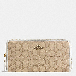 COACH ACCORDION ZIP WALLET IN SIGNATURE - LIGHT GOLD/LIGHT KHAKI/CHALK - F53602