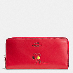 COACH F53773 Coach X Peanuts Accordion Zip Wallet In Calf Leather SILVER/CLASSIC RED