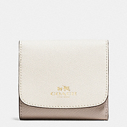 COACH F53779 Small Wallet In Colorblock Crossgrain Leather IMITATION GOLD/CHALK/GREY BIRCH