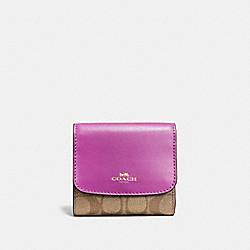 COACH F53837 Small Wallet In Signature IMITATION GOLD/KHAKI/HYACINTH
