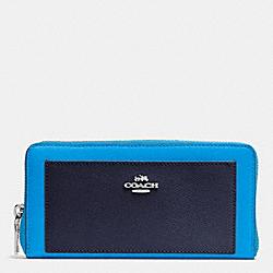 COACH F53838 Accordion Zip Wallet In Colorblock Crossgrain Leather SILVER/AZURE MULTI