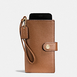 COACH PHONE CLUTCH IN CROSSGRAIN LEATHER - IMITATION GOLD/SADDLE - F53977