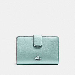 COACH MEDIUM CORNER ZIP WALLET IN CROSSGRAIN LEATHER - SILVER/AQUA - F54010