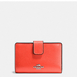 COACH F54010 - MEDIUM CORNER ZIP WALLET IN CROSSGRAIN LEATHER SILVER/BRIGHT ORANGE