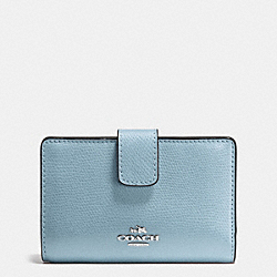 COACH F54010 - MEDIUM CORNER ZIP WALLET IN CROSSGRAIN LEATHER SILVER/CORNFLOWER