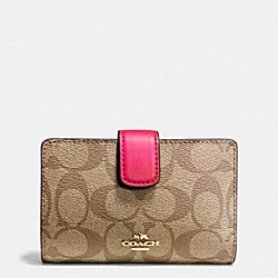COACH F54023 Medium Corner Zip Wallet In Signature IMITATION GOLD/KHAKI BRIGHT PINK