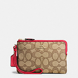 CORNER ZIP WRISTLET IN OUTLINE SIGNATURE - f54627 - IMITATION GOLD/KHAKI/TRUE RED