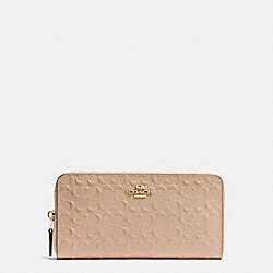 ACCORDION ZIP WALLET IN SIGNATURE DEBOSSED PATENT LEATHER - f54805 - IMITATION GOLD/BEECHWOOD