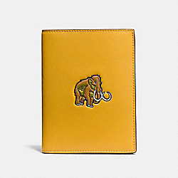 COACH F55470 - PASSPORT CASE WITH COACH BEAST FLAX