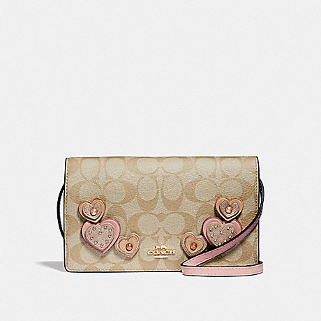 COACH F55612 HAYDEN FOLDOVER CROSSBODY CLUTCH IN SIGNATURE CANVAS WITH HEART APPLIQUE<br>蔻驰海登边斜背离合器在签名画布心脏贴花 卡其色多/仿金