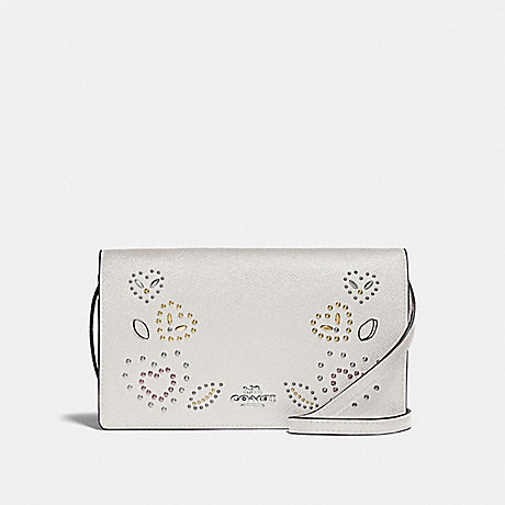 COACH F55615 HAYDEN FOLDOVER CROSSBODY CLUTCH WITH HEART BANDANA RIVETS<br>蔻驰海登边斜背离合器与心头巾铆钉 粉笔多银