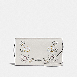 HAYDEN FOLDOVER CROSSBODY CLUTCH WITH HEART BANDANA RIVETS - F55615 - CHALK MULTI/SILVER