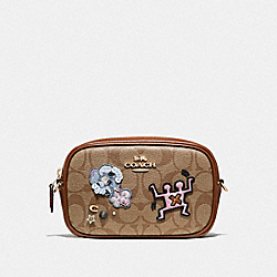 KEITH HARING CONVERTIBLE BELT BAG IN SIGNATURE CANVAS WITH PATCHES - F55644 - KHAKI MULTI /IMITATION GOLD