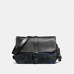 GOTHAM MESSENGER WITH DENIM WILD BEAST PRINT - F55791 - DENIM WILD BEAST/BLACK COPPER