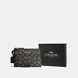 BOXED CORNER ZIP WRISTLET IN SIGNATURE JACQUARD - F55919 - SV/BLACK SMOKE/BLACK