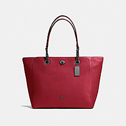 TURNLOCK CHAIN TOTE - f56830 - Cherry/Dark Gunmetal