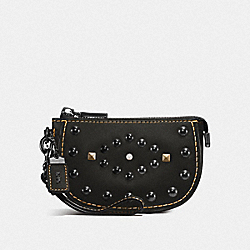 COACH F57184 - POUCH WITH WESTERN RIVETS BP/BLACK