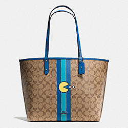 PAC MAN REVERSIBLE TOTE IN SIGNATURE - f57277 - BLACK ANTIQUE/KHAKI DENIM