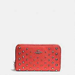 COACH F57538 Medium Zip Around Wallet In Polished Pebble Leather With Ombre Rivets SILVER/DEEP CORAL