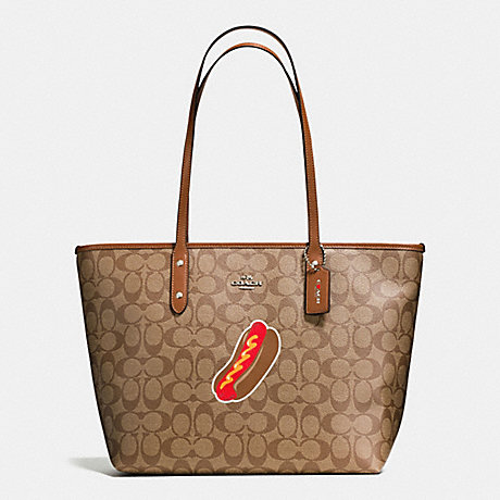 COACH F57613 NYC HOT DOG CITY ZIP TOTE IN SIGNATURE SILVER/KHAKI/SADDLE