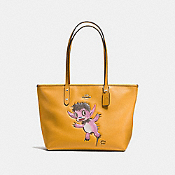 COACH BASEMAN X COACH BUDDY BOY CITY ZIP TOTE IN PEBBLE LEATHER - SILVER/MUSTARD - F57729