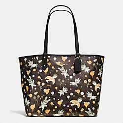 COACH BASEMAN X COACH SECRET ORDER REVERISBLE TOTE IN SIGNATURE COATED CANVAS - IMITATION GOLD/BROWN YELLOW MULTI - F57917