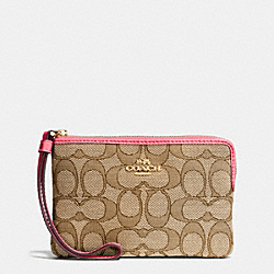 COACH F58033 Corner Zip Wristlet In Outline Signature IMITATION GOLD/KHAKI STRAWBERRY