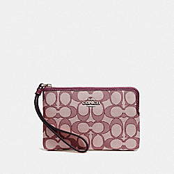 COACH F58033 Corner Zip Wristlet In Signature Canvas SV/RASPBERRY