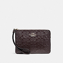 CORNER ZIP WRISTLET IN SIGNATURE DEBOSSED PATENT LEATHER - f58034 - LIGHT GOLD/OXBLOOD 1