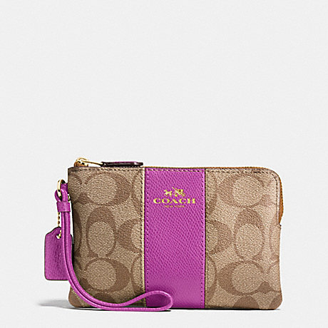 COACH f58035 CORNER ZIP WRISTLET IN SIGNATURE COATED CANVAS WITH LEATHER STRIPE IMITATION GOLD/KHAKI/HYACINTH