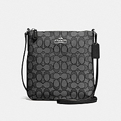 NORTH/SOUTH CROSSBODY IN OUTLINE SIGNATURE JACQUARD - f58421 - SILVER/BLACK SMOKE/BLACK
