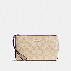 LARGE WRISTLET IN SIGNATURE CANVAS - F58695 - LIGHT KHAKI/PRIMROSE/IMITATION GOLD